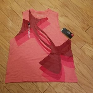 NWT size M Under Armour tank